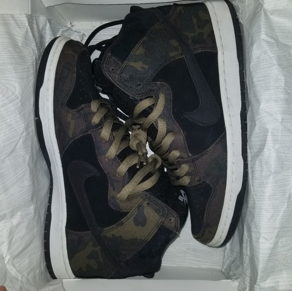 sb dunks camo high Nike Men s Air Force 1 07 ... 7e4950980b